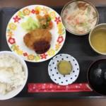老人ホームでの【献立】は、栄養面・お味とも毎日工夫なさっています。